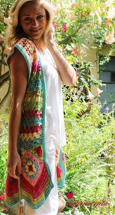 Chaleco largo. Love the colours!