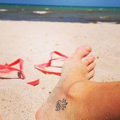 Cute Tattoo Ideas For Women – Be Creative When Deciding On Cute Tattoo Designs Hair Tattoos, Cute Tattoos, New Tattoos, Body Art Tattoos, Tatoos, Inner Ankle Tattoos, Pinapple Tattoos, Tattoo 2017, Piercing Tattoo