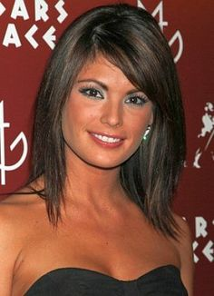 Laura Croft - Celebrity Hairstyle - Medium Hair in Layered Bob Haircut
