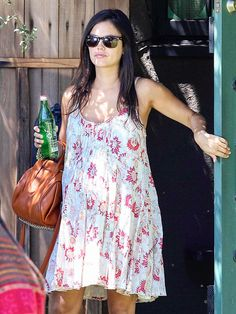 Star Tracks: Tuesday, August 19, 2014 | EASY BREEZY | Rachel Bilson continues to prove she's a maternity fashion pro, sporting another cute frock on Sunday in Toluca Lake, California.