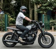 Triumph t120 black custom awesome bise gentleman