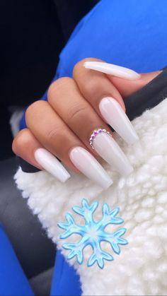 Acrylic Nails Coffin Short, Simple Acrylic Nails, White Acrylic Nails, Square Acrylic Nails, Coffin Nails, White Nail, White Acrylics, Ballerina Acrylic Nails, Nail Pink