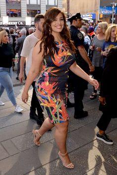 Curvy Girl Fashion, Plus Size Fashion, Ashley Graham Style, Vogue, Voluptuous Women, Plus Size Model, Types Of Fashion Styles, Beauty Women, Ideias Fashion