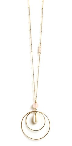 Sautoir Copacabana by Rubambelle Pearl Jewelry, Wire Jewelry, Boho Jewelry, Jewelry Art, Beaded Jewelry, Jewelery, Jewelry Accessories, Jewelry Design, Quartz Necklace