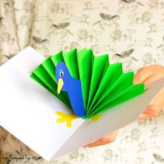 We have another wonderful pop up card to share with you, this time we are making a really simple peacock pop up card paper craft. This pop up card doesn't require much skill so it's perfect for younger kids to make as they can easily make it on their own. *this post contains affiliate links* …