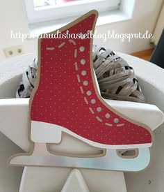 unabhängige Stampin' UP! Ice Skating Party, Skate Party, Christmas Crafts, Christmas Decorations, Xmas Cards, Wood Crafts, Converse Chuck Taylor, High Top Sneakers, Paper Shoes