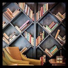 BrandWood делает для ваших книг полки и шкафы любых форм размеров цветов и фактур. Смотрите готовые идеи тут: #доступнодлязаказаBrandWood  by brand_wood