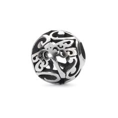 See the potential in even the smallest things in life.This bead is made of sterling silver.