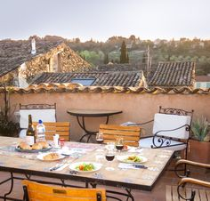 Rooftop deck Chez Mirabel