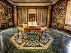 La Biblioteca dell'Abbazia di Vallombrosa (Firenze, Italia).