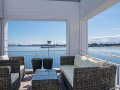 Ferienhaus Traumfänger - Terrasse Tiny Boat, Secret Hideaway, Dream Apartment, Outdoor Furniture Sets, Outdoor Decor, Buy Tickets, Luxury Travel, Hinata, Sun Lounger