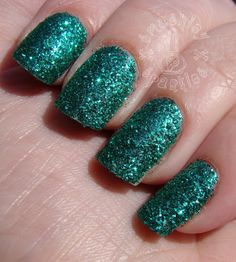 Smashley Sparkles: The Digit-al Dozen Does Bling: Emerald Green Loose Glitter For A DIY Textured Look