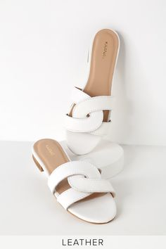 Spend those hot hot days in the Chinese Laundry Gemmy Light Blue Suede Leather Sandals! These cute little sandals are shaped from supple suede leather. Mule Sandals, Sport Sandals, Flat Sandals, Slide Sandals, Gladiator Sandals, Sandal Heels, Mules Shoes, Heeled Mules, White Leather