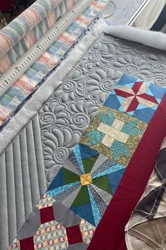 Quiltovaná bordura Quilts, Blanket, Free, Quilt Sets, Blankets, Log Cabin Quilts, Cover, Comforters, Quilting