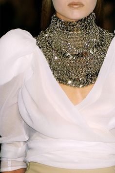Le A la Mode, daily-runway: Givenchy Haute Couture. Couture Details, Fashion Details, Trends 2018, Givenchy Couture, Fashion Accessories, Fashion Jewelry, Summer Accessories, Moda Paris, Glamour