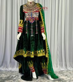 Afghan Clothes, Afghan Dresses, Ladies Kurti Design, Aesthetic Room Decor, Traditional Outfits, Fitness Goals, Besties, Kimono Top, Velvet