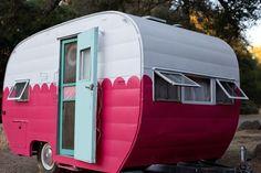 PINK glamper - vintage caravan - vintage camper <O>