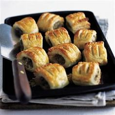 These cook-from-frozen stilton and walnut sausage rolls make entertaining a breeze. We love the combo of salty sausagemeat and stilton with sweet dates. Food N, Food And Drink, Xmas Dinner, Sausage Rolls, Appetisers, Pork Recipes, Free Recipes, I Love Food, Afternoon Tea