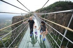 8 Amazing Pics Of Longest Glass-Bottomed Suspension Bridge In China   So Scary