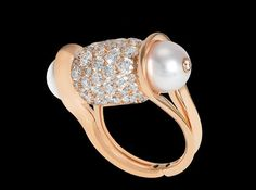 Maison John Rubel : bague Ginger , or rose, diamants et parles Akoya by Sophie Rubel