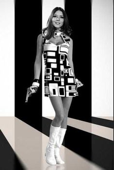 Emma Peel the Avengers Emma Peel, Tv Vintage, Mode Vintage, Vintage Fashion, Swinging London, Diana Riggs, Avengers Girl, Avengers Actors, Dame Diana Rigg