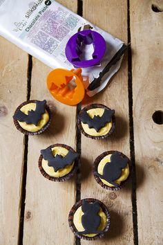 Cupcakes al cioccolato con crema alla zucca per halloween