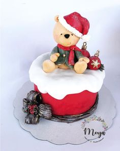 Christmas teddy bear - cake by Branka Vukcevic Christmas Cake Designs, Christmas Cake Decorations, Christmas Food Gifts, Holiday Cakes, Christmas Gingerbread, Christmas Desserts, Xmas Cakes, Fondant Christmas Cake, Christmas Cake Topper