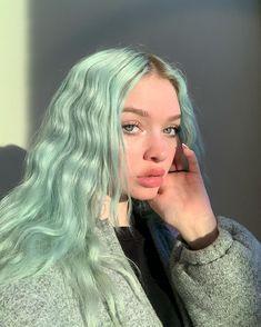 hair inspiration aesthetic hair inspiration blue hunnynectar Life imitates art I just wanna be baby yoda ok ARCTIC FOX HAARFARBE color ideas Hair Dye Colors, Hair Color Blue, Purple Hair, Pastel Green Hair, Gray Hair, Pastel Colored Hair, Pastel Hair Colors, Green Hair Streaks, Baby Blue Hair