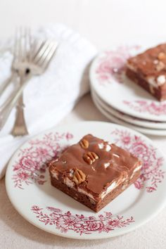 Mississippi Mud Cake from @Lana Stuart | Never Enough Thyme http://www.lanascooking.com/2013/09/03/mississippi-mud-cake/
