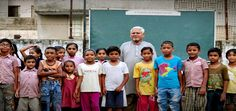 An amazing man from Ahmedabad has transformed a footpath into a school for the slum kids