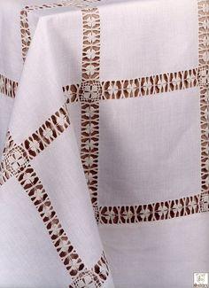 فايزة عشيبة's media content and analytics Hardanger Embroidery, Diy Embroidery, Embroidery Stitches, Hand Embroidery Flowers, Hand Embroidery Patterns, Drawn Thread, Blanket Stitch, Sewing Studio, Bargello