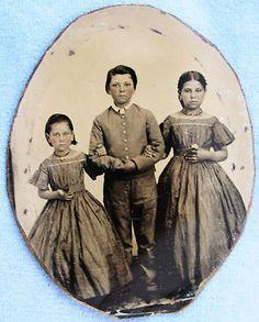 Siblings during the Civil War era...