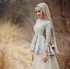Hijab Wedding Islamic Wedding Dresses for Brides Muslimah Wedding Dress, Nikkah Dress, Hijab Bride, Muslim Brides, Pakistani Wedding Dresses, Pakistani Bridal, Muslim Women, Indian Bridal, Bridal Hijab Styles