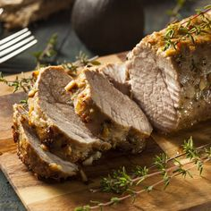This Rosemary And Balsamic Pork Loin Is So Delicious We Can't Believe How Easy It Was To Make! Pork loin is incredibly flavorful and absolutely delicious when it is seasoned Pork Tenderloin Recipes, Pork Loin, Pork Roast, Beef Tenderloin, World Recipes, Whole Food Recipes, Cooking Recipes, Baked Pork, Grilled Pork