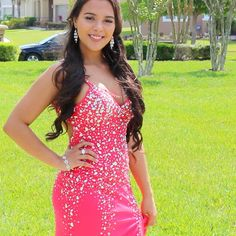 Natalies Outlet, Prom Make Up, Dress Hairstyles, Youtubers, Ootd, Watch, Formal Dresses, How To Make, Inspiration