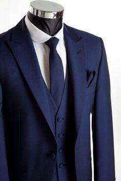 Grooms Wear - Three piece navy blue wedding suit for Groom and Groomsmen. 3 Piece Suit Wedding, Blue Suit Wedding, Wedding Men, Wedding Groom, Wedding Tuxedos, Mens Wedding Suits Navy, Navy Blue Weddings, Trendy Wedding, Gothic Wedding