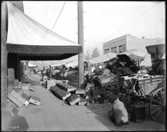 Wagons loaded with food at the Old City Market at 3rd Street and Central Avenue, Los Angeles, ca.1910 :: California Historical Society Collection, 1860-1960