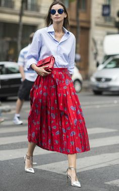 Boutique owner Clara Racz hit a high note at Paris Haute Couture Fashion Week in one of our favourite colour ways; red and pale blue