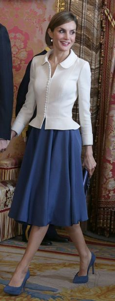 King Felipe VI and Queen Letizia of Spain receive audiences at Zarzuela, Madrid 4/22/2015 - #bllusademujer #mujer #blusa #Blouse