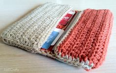 Crochet your own wallet.  Free pattern and full tutorial!