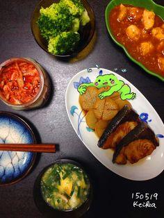 【Around midnight】今日の昼間、一度熱射病の危機を感じたからか、しっかり味のおかず揃いに。気を付けましょう!  hot in Japan! made dinner to power up!