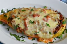 Dovlecei umpluti cu carne - CAIETUL CU RETETE Jamie Oliver, Frittata, Lasagna, Virginia, Ethnic Recipes, Food, Mascarpone, Fine Dining, Meal