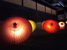 倉敷美観地区の和傘アート