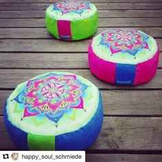 Kraft tanken und durchatmen. 😌#nähenmachtglücklich und #wiedersehenmachtfreude #Repost @happy_soul_schmiede with @repostapp ・・・ For your #yoga session #colorful #yogapillow #handmade with #happysoul #love and #passion.  For more visit me on my Fb page Happy Soul Schmiede  https://www.facebook.com/gosia.finke  #yogaspirit #mandala #happiness #color #om #share #picoftheday #sewingproject #sewinglove #fun #lifestyle #like #namaste #accessoires #amazing #meditation #insta