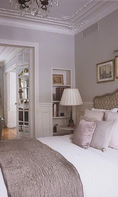 16th Arrondissement Passy Trocadero apartment rental - Charming bedrooms with luxurious linens
