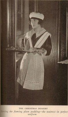 Waitress in perfect uniform. Vintage Photographs, Vintage Images, Retro Vintage, Vintage Sewing, Maid Outfit, Maid Dress, Annie Musical, Annie Costume, Staff Uniforms