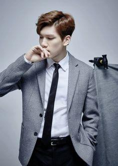 #Hyuk men's textured blazer