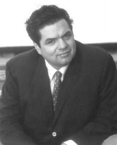 Oliver Platt as FIddler's Green in Sandman. He's got the sweetness, charm, and sophistication to pull it off. Hollywood Actor, Golden Age Of Hollywood, Oliver Platt, Chicago Med, Guys And Dolls, My Man, Costume Ideas, My Hero, Halloween Costumes
