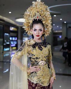 Indonesian Wedding, Kebaya, Headpiece, Bali, Brides, Sequin Skirt, Makeup, Skirts, Beauty