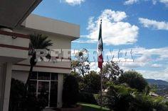 Personal especializado de la PGR se trasladó a Honduras, donde recibió 19 denuncias de familiares de víctimas desaparecidas o asesinadas en México. Foto: Tomada de @EmbaMexHonduras http://refor.ma/zO-caebou